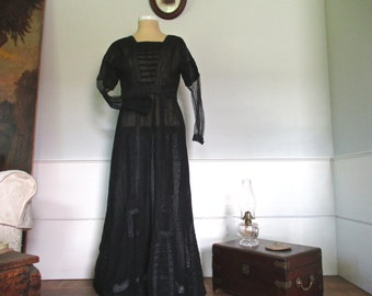 Antique petite country made Edwardian dress ~ a Downton Abbey poor relation
