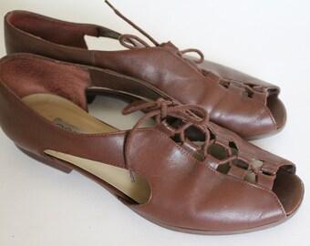 Vintage leather flats cutout peep toe sandals brown lace up shoes size 8 size 9 bohemian festival wear