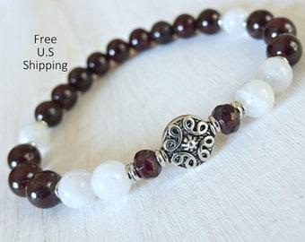 Moonstone, Garnet, Yoga Bracelet, Fertility bracelet, Meditation bracelet, Reiki Charged, wrist mala, Love bracelet, Healing stones,Yoga