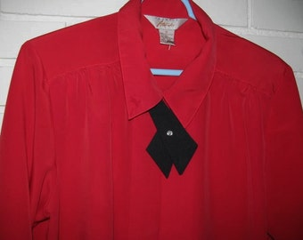 Vintage red blouse with detachable black tie size 12