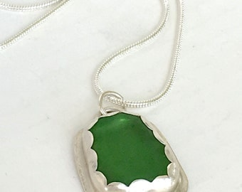 Sea Glass Necklace - Hawaii Beach Glass - Sea Glass Pendant - Ocean Jewelry - Beach Jewelry - Women Necklace - Green Necklace - Gift for her