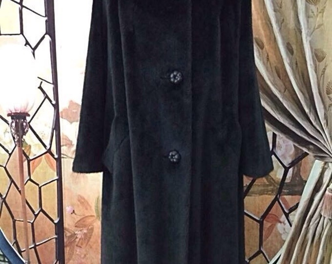 Exceptional Black Faux Vintage Fur Coat, Beaver Fur Faux Coat, Real Muskrat Fur. Luxurious Faux Furs.