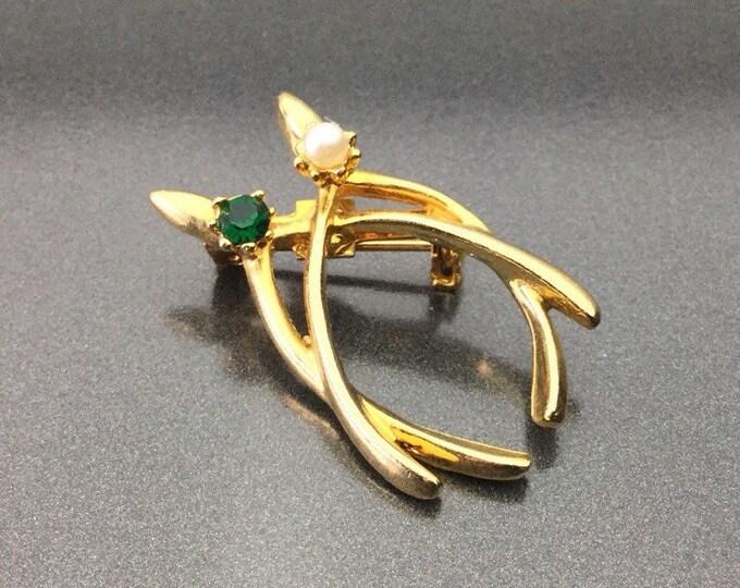 Vintage Emerald Rhinestone & Pearl Wishbone Brooch. Good Luck Brooch. Irish gold tone metal brooch.