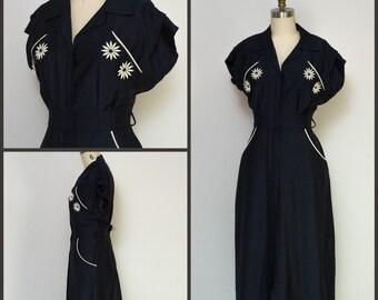1950s dress / 50s Dress / 60s Dress / Wiggle Dress / Navy Blue Wiggle Dress