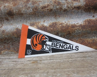 Vintage Cincinnati Bengals Football Team 1990s Era NFL Small 9 Inch Mini Felt Pennant Banner Flag vtg Collectible Vintage Display Sports