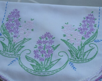 Vintage Hand Embroidered  ~ Linen Runner with Lots of Flowers// Home Decor//Vintage Table Scarf