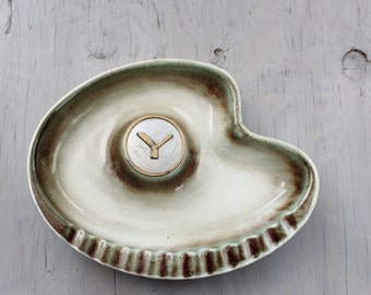 Vintage Kidney Shaped Ashtray - Mid Century Roseville The HYde Park USA Pottery - Monogram Letter Y