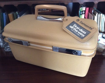 vintage luggage ...  Tan Golden SAMSONITE 70s TRAIN CASE suitcase Retro-road trip luv ...