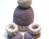 Ready to ship 0-3 month crochet lilac winter hat and booties set.  Crochet baby booties.  Crochet hat with pom pom.  Lilac and white.