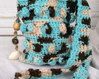 Turquoise Popcorn Purse, crochet purse in teal, cream and brown, embellished with beads and shell