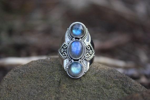 3 STONE LABRADORITE RING -Sterling Silver Ring- Labradorite Ring- Healing Crystal Jewellery- Chakra Ring- Statement Ring- Vintage- Crystal