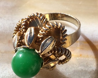 Vintage Jade gold tone sculptural statement ring Boho Chic