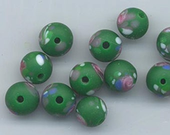 21 vintage Japanese lampwork glass beads - matte darkish green with pink roses - 8.8 mm rounds