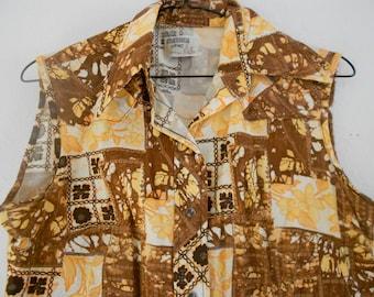 Sleveless western shirt.  Ladies brown blouse.  Snap closure.