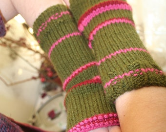 Fingerless arm warmers - knitted Irish wool - green - pink - red