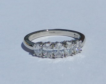 Natural Untreated .80 Carat Diamond 5 Stone Ring 14kt Solid Gold W/ GIA G.J.G. Appraisal