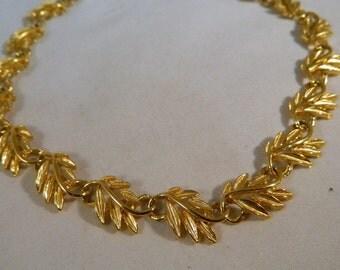 Gold Leaf Necklace / Vintage Choker Necklace with Gold Leaf Fronds / Leaves Necklace