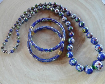 Vintage 25 Inch Blue Smooth Cloisonne Graduated Bead Necklace with Two Snap Cloisonne Bracelets