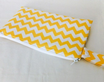 Insulated Snack Bag in Yellow Chevron