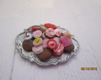 Beautiful Tray of Cookies      Free Shipping