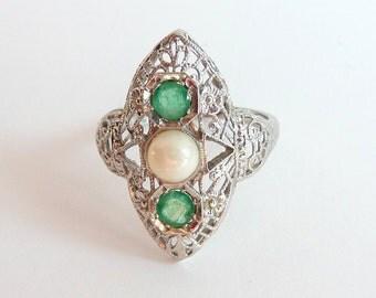 Art Deco Filigree Emerald Pearl Ring 18k White Gold Vintage Ring Size 5.75
