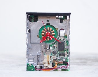 Desk clock made from a 3 1/2 inch floppy disk drive - FDD clock - recycled computer clock - computer nerd gift - c1773