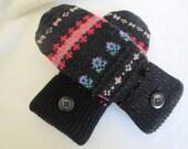 Women's wool mittens colorful pattern on black fleece lined size medium RTS