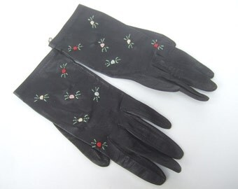 Stylish Retro Black Leather Embroidered Driving Gloves