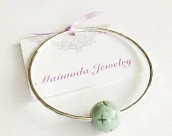 Jade bangle- floating jade bead bangle- Jade bracelet- Rose gold Jade bangle. (B101)
