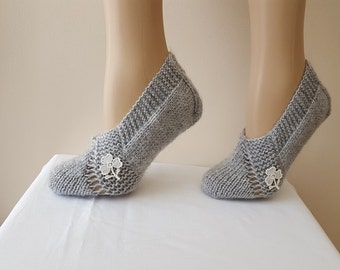 SALE  Booties Home slippers with lace flower, Dance classic yoga, house slippers,  balletflats pilates yogasocks, socks,pantoufles