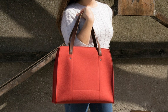 Felt LARGE TOTE with leather straps / 100% wool felt / felt bag / felt tote / orange bag / shopping bag / handmade / made in Italy