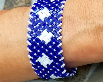 Blue and White Glass Bracelet with Clasp
