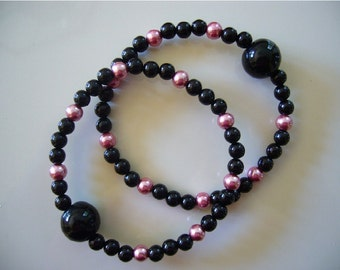 """Queasy Beads™ Motion Sickness Bracelets in """"Midnight Rose"""""""
