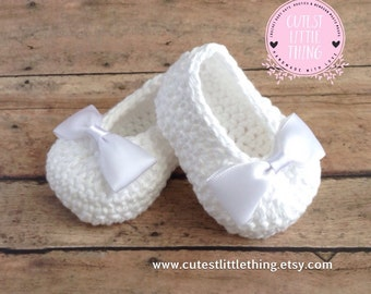 Baby Booties, Crochet Baby Booties, Baby Girl Booties, Christening, Baptism, White Bow Crochet slippers, Baby Girl shoes