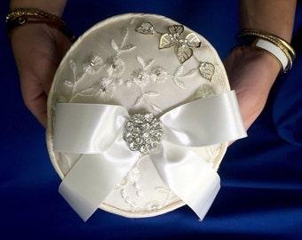 round ivory silk ring bearer pillow wedding accessories wedding favors ring pillow ivory pillow