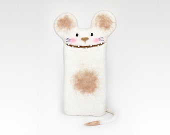 Mouse iPhone case, felt case for iPhone 6 / iPhone 6S,  iPhone 6Plus / iPhone 6S Plus, custom case, felt white mouse, handmade gift.