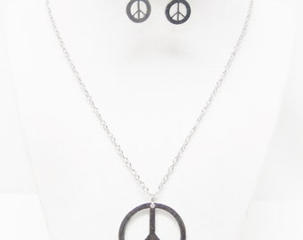 Silver Peace Sign Symbol Pendant Necklace & Earrings Se