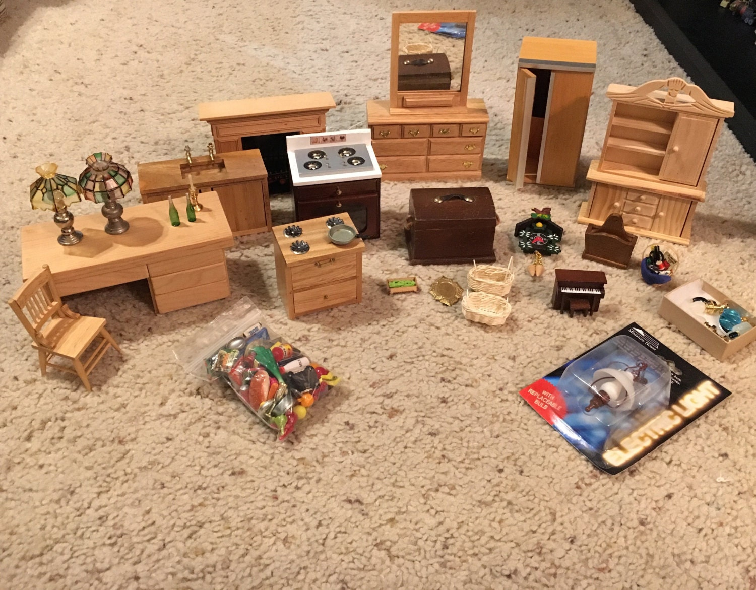 Vintage dollhouse furniture and accessories lot dollhouse for Furniture accessories
