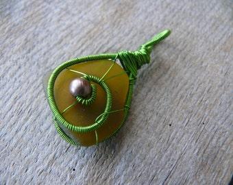 Green sea glass pendant, green copper wire, genuine sea glass, wire wrapped pendant, Birthday gift, metal beads jewelry, sea glass jewelry