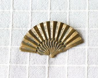 Vintage Brass Fan Brooch Pin, Jewelry
