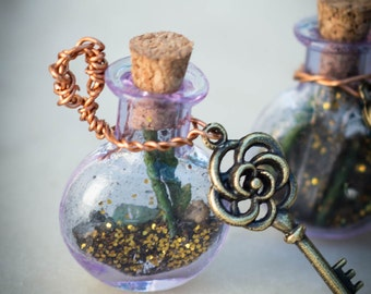 Hades Talisman/witch bottle, no. 2 of four! Protective charms dedicated to Hades, Greek god of the underworld. Theoi hades aidoneus