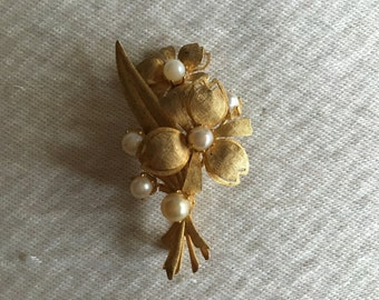 1940s Flower Bouquet with Pearl Accents Gold-tone Brooch - Mother of the Bride or Groom Gift