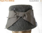 ON SALE vintage. GREY. felted. Wool. netting. Bow. 1960s.
