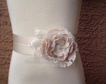 Champagne and Ivory Lace Flower Bridal Sash / Champagne Wedding Sash / Champagne Bridal Bow / Bridesmaid Ribbon / Maternity Flower Sash
