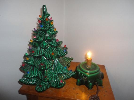 Vintage Atlantic Mold 15 1/2 Inch Ceramic Christmas Tree