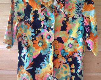 Vintage Hawaiian Shirt, Don Charles of California, Retro Ladies Aloha Wear, Bright Floral Print, Groovy Colors, size small