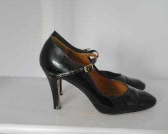 Vintage 70 Stilettos shiny black leather