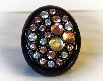 Black Lucite Rhinestone Ring      Size 7 3/4