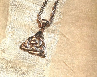 20% SALE Triquetra Celtic Love Knot Necklace in Sterling Silver