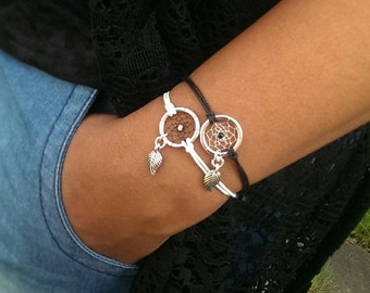 Dreamcatcher bracelet black and white with leaf charm - bohostyle